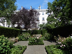 Chester Square (John Steedman) Tags: london uk unitedkingdom england イングランド 英格兰 greatbritain grandebretagne grossbritannien 大不列顛島 グレートブリテン島 英國 イギリス ロンドン 伦敦 chestersquare