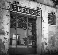 Menuiserie vintage (pascal548) Tags: noiretblanc france