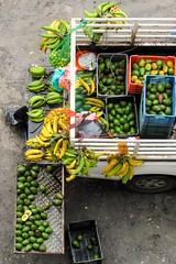 From above, a movil market (Mabelín Santos) Tags: avocados avocado agua aguacate sanmiguelitopanamá panama fruits frutas mercado platano limones lemons lemon