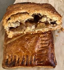 apple hand pie from Neighbor Bakehouse (Fuzzy Traveler) Tags: apple pie neighborbakehouse pastry dessert bakery sweet