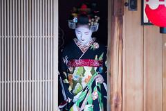 Debut (walkkyoto) Tags: 見世出し misedashi 祇園甲部 gionkobu 舞妓 maiko 京都 kyoto 日本 japan ef135mmf2lusm