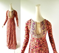 1970s Esme floral print jersey maxi dress with embroidered birds, from Susie Craig for Bill Berman (Small Earth Vintage) Tags: smallearthvintage vintagefashion vintageclothing dress 1970s 70s maxidress floral embroidered birds susiecraigforbillberman