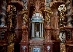 Alabastro (<María>) Tags: marmol piedra alabastro iglesias monasterio angeles decoracion antiguedad