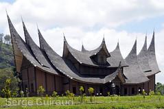 Minangkabau (pguiraud) Tags: minangkabau sergeguiraud sumatra habitation maisons