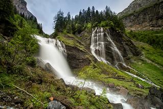 La cascades de la Sauffaz (à gauche) et de la Pleureuse (à droite)