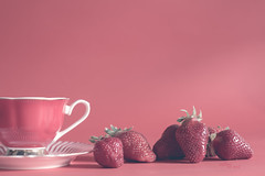 Coffee in red (pierfrancescacasadio) Tags: maggio2018 red 22052018840a7078 rosso rojo strawberry fragole strawberries coffee lifeisarainbow 2252 50mm coffeeinred
