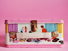 1967 Campus Queen Lunch Box (The Barbie Room) Tags: 1967 campus queen lunch box kingseeley thermos magnetic game kit 1960s 60s tin