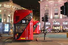 Picadilly Circus - London (United Kingdom) (Meteorry) Tags: europe unitedkingdom england uk britain greatbritain london november 2017 meteorry picadillycircus coventrystreet westend westminster cityofwestminster regentstreet bus newroutemaster red rouge night nuit soir evening british english unitg2piccadilly