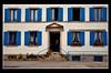 Concarneau (Massimo Frasson) Tags: francia france bretagna bretagne breizh bzh finistère concarneau centrostorico oldcity pittoresco architettura arte medioevo palazzi finestre facciata azzurro