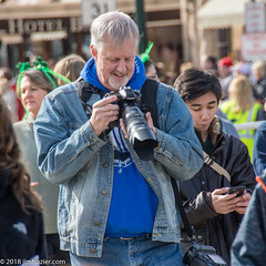 Chuck is amazed at the wonderful shot he got of me, while Denise...not so much. (Jim Frazier) Tags: 2018 20180310stpatricksdayparadestcharles buildings business businessdistrict cameras chimping chuck cityurban district festival irish jimfraziercom kane mainstreet march parade party people photographer saintcharles spring stpatricksday stcharles stchuck street structures q2