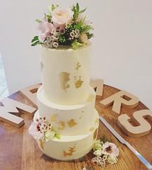 Wedding cake (charlottehbest) Tags: charlottehbest summer 2017 throwback england wedding cake homemade weddingcake gold bridesmaid sisterduties