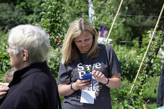 Edinburgh Botanic Gardens BioBlitz 2018 -146 (Philip Gillespie) Tags: • edinburgh royal botanic gardens 2018 big bioblitz bio blitz kids children men women man woman people fun faces smiles water wet insects bugs moths spiders legs arms eyes hats grass trees bushes plants short pool sun sky pond lilly wings park nature colour green blue red yellow orange purple science teach record check house cottage photo photography canon 5dsr rbgenature thebotanics dipping worms birds bigbotanicsbioblitz
