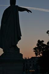 Salutando il Prato della Valle (blasgunez) Tags: pratodellavalle padova statueprato