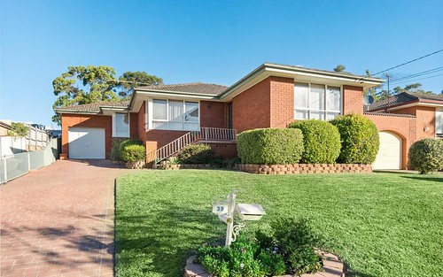 39 Oak Dr, Georges Hall NSW 2198