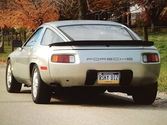 Porsche.....There is NO Substitute! (artreality) Tags: porsche porsche928 1981porsche928s zinnmettalik moderngtcar germanengineering porschev8 porsche5speed pcna poca 928oc tomcruise riskybusiness pewter classic design timeless