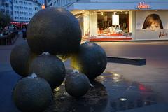 Abend am Kugelbrunnen (gatierf) Tags: kugelbrunnen mäusburg giesenseltersweg hessen deutschland