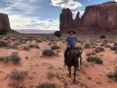 IMG_3781 (adrien.boublil) Tags: arizona roadtrip usa cowboy western photography grandcanyon phoenix tucson saguaro sinagua horses monumentvalley johnwayne petrifiednationalforest canyondechellynationalmonument antelopecanyon flagstaff harkins poncho meteorcrater landscapes