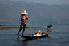 Fisherman II (Salvatoren) Tags: myanmar birmania asia pescador fisherman lake inlelake lago agua pesca barca bote remo montaña cielo mar