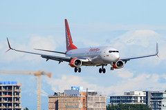 CYVR - Sunwing Airlines B737-800 C-GLRN (CKwok Photography) Tags: yvr cyvr sunwingairlines b737 cglrn