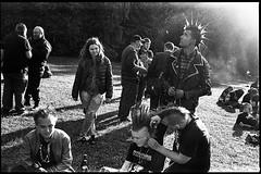 (Igor Baranchuk) Tags: film 35mm analog voigtlander voigtlandercolorskopar35mm leicam6 leica rangefinder ilfordpan400 summer moscow park street punk