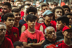 _MG_0374 (sergiopenalvagonzalez) Tags: rcdmallorca futbol football ball people ambiente palma palmademallorca aficion pasion rojo negro ib3 diariodemallorca sergiopenalvagonzalez sergiopenalvag gente emocion nervios ascenso alegria