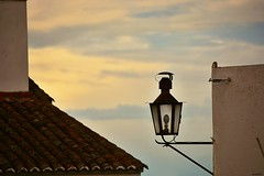 710_9210z (A. Neto) Tags: d7100 nikon nikond7100 sigma sigmadc18250macrohsmos color portugal monsaraz sky lamp roof architecture