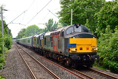 37611 37884 5Q43 Cheadle Hulme (British Rail 1980s and 1990s) Tags: train rail railway loco locomotive lmr londonmidlandregion mainline wcml westcoastmainline livery liveried traction tpe transpennineexpress locohauled mk5a mkv mark5a markv 5q43 ecs emptycarriagestock 1st first ee englishelectric type3 type4 tractor growler brush sulzer br britishrail 37 47 class37 class47 47812 37884 37611 pegasus cepheus 12802 rog railoperationsgroup nova3