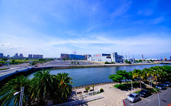 藍天白雲好天氣(Blue sky,Nice mood) | 高雄前鎮河 (隨風飛翔的鷹~~) Tags: sigma1224mmf4556dgii blue sky wideangle sigma kaohsiung
