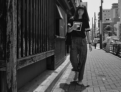 HARE (Bill Morgan) Tags: fujifilm fuji xe3 18mm f2 bw jpeg acros luminar2018 kichijoji tokyo street