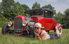 Streetparty Maarheeze 2018 (Willem Vernooy (FoToWillem)) Tags: rockabilly rockabella lollipop holland hotrod hotrodparadise rod streetparty maarheeze maickelsspeedfactory carevent fotowillem fotomodel fotoshoot model modella modela carmodelshoot carshoot heels auto automobiel automeeting automeet automotive autoday automobile car kustomculture kustomcar chrysler custom customcar kvinde gadis girl woman pinup babe female femme frau fraulein people donna bombshell ftw willemvernooy netherlands dutch hollande bonita