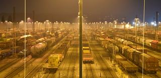 Güterbahnhof bei Nacht - freight yard at night