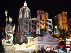 New York New York in Las Vegas (debreczeniemoke) Tags: unitedstatesofamerica usa unitedstates us america nevada lasvegas cityoflasvegas vegas lasvegasstrip utca street este evening lasvegasboulevard newyorknewyork olympusem5