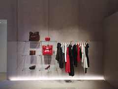 2018-06-FL-191933 (acme london) Tags: bondstreet botique interiordesign london paperwalls recycledpaper recycledwalls retail shop stellamccarney