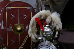 Equipment (Crisp-13) Tags: english heritage old sarum salisbury wiltshire clash romans helmet roman plume shield