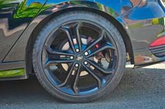 Cool wheel (Mount Fuji Man) Tags: hereios wah wh wheel fordfocusst lowprofiletyre black reflection