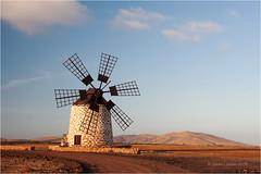 Molino (Sandra Lipproß) Tags: fuerteventura lasislascanarias spanien spain españa kanarischeinseln windmühle windmill molinodeviente sandralippross europe europa travel landscape landschaft
