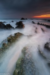 Jurassic Sea (IrreBerenTe Natalia Aguado) Tags: outdoors marcantábrico playadebarrika canon longexposure nataliaaguadoirreberente spring sunset water rocks landscape naturallandscape nature paísvasco basquecauntry euskadi barrika beach seascape sea jurassicsea