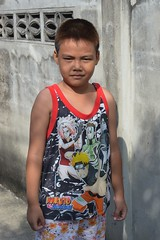 colorfully dressed boy (the foreign photographer - ฝรั่งถ่) Tags: colorfully dressed boy khlong thanon portraits bangkhen bangkok thailand nikon