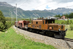 RhB Ge6/6i Locomotive_414_Punt Muragl, Switzerland_090618_01 (DS 90008) Tags: rhb 414 ge66i locomotive crocodile krokodil metregauge train wagons electrictraction electricloco puntmuragl switzerland swissrailways swissalps mountains carriages wagon