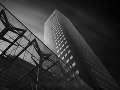 Deloitte - Tower, Leeuwarden (Thunderbird61) Tags: deloittetower skyscraper deloitte leeuwarden nederland netherlands niederlande gebouw friesland architecture architektur hochhaus le mono monochrom monochrome monochromatic sw bw nb bn zw zwartwit schwarzweis blackwhite noirblanc neroblanco pentax pentax645z pentaxart clouds mediumformat