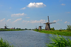 KINDERDIJK MILLS LANDSCAPE (JaapCom) Tags: jaapcom kinderdijk mills mill moulin molen molino molinos molens dutchnetherlands holland paysbas landscape water clouds nature polder zuidholland