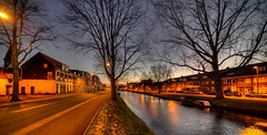Kinderhuisvest, Haarlem. (Alex-de-Haas) Tags: oogvoornoordholland 11mm d850 dutch februari hdr haarlem holland irix nederland nederlands netherlands nikon noordholland photomatix avond binnenstad bluehour building canal capital center centrum city dusk gebouw hoofdstad house houses huis huizen innercity kanaal life nacht night schemering stad stadsfotograaf straat street structure sundown sunset town twilight urban water winter woning woningen zonsondergang nl