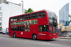 Stagecoach 12318 (cybertect) Tags: 12138 56 adlenviro400 carlzeissdistagont35mmf28mm ec1 goswellroad lx61ddl london londonboroughofislington londonec1 londonbus sonya7ii stagecoach bus doubledecker route56