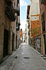 Calle de San Ramón - València (Kiko Colomer) Tags: franciscojosecolomerpache kikocolomer valencia valence calle ciudad centro historico urbano casa edificio barrio carmen san ramón