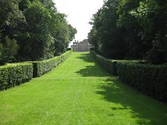 St Pauls Walden Bury, Hertfordshire (streetr's_flickr) Tags: stpaulswaldenbury hertfordshire landscape gardens mansion beechhedges