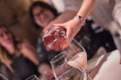 DSC_1154 (Pasquesius) Tags: sicilia sicily palermo waitress cameriera sommelier girl spumante rosa pink sparklingwine ragazza