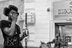 La Spezia (gilbertotphotography.blogspot.com) Tags: laspezia liguria italia italy street strada streetphotography story streetlife storytelling storia people persone gente fotodistrada fotografia photography monochrome monocromatico monochromatic blackandwhite blackandwhitephotography biancoenero bnw bn bw fuji fujifilm fujinon fujixt20 fujinonxf27mmf28 x