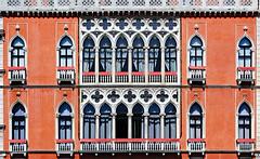 Windows 10 (x2) ! (Ciceruacchio) Tags: windows fenêtres finestre palazzopisanimoretta canalgrande grandcanal sanpolo operatingsystem microsoft venezia venice venecia venedig veneza венеция ヴェネツィア 威尼斯 βενετία veneto vénétie italia italy italie italien nikon