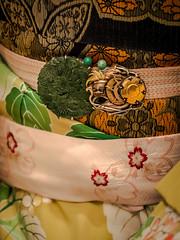 Obidome - 07 (Stéphane Barbery) Tags: geiko japan japon kyoto maiko obidome 五花街の夕べ 京都 帯留め 日本
