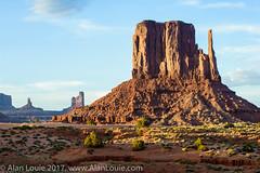 20090601 Monument Valley 081.jpg (Alan Louie - www.alanlouie.com) Tags: monumentvalley landscape arizona oljatomonumentvalley unitedstates us ussouthwest